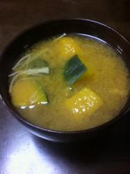 ロロン味噌汁.jpg