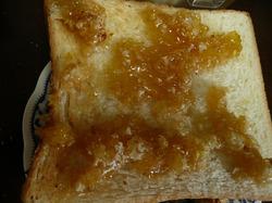 自家製蜂蜜のハニートーストです。